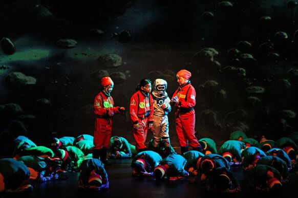 Lost in Space - The Musical 11